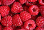 raspberries in green powder superdrink